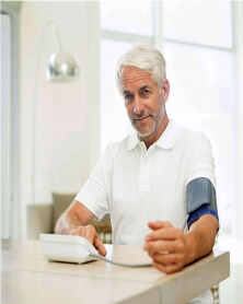 بيورر - جهاز قياس  ضغط الدم التلقائي على الذراع BM 28
