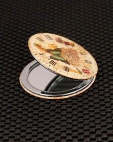 مرآة جيب فراشة داخل الساعة